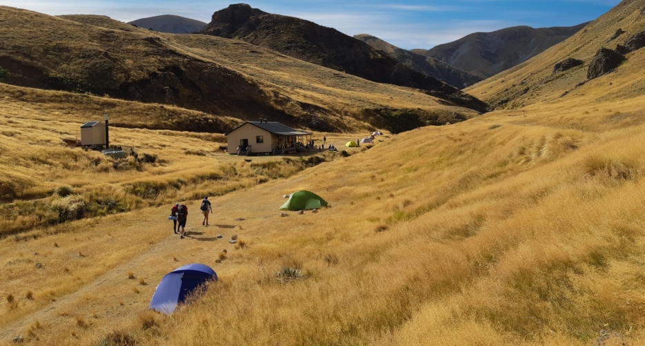Hiking New Zealand with Adventure by Naure